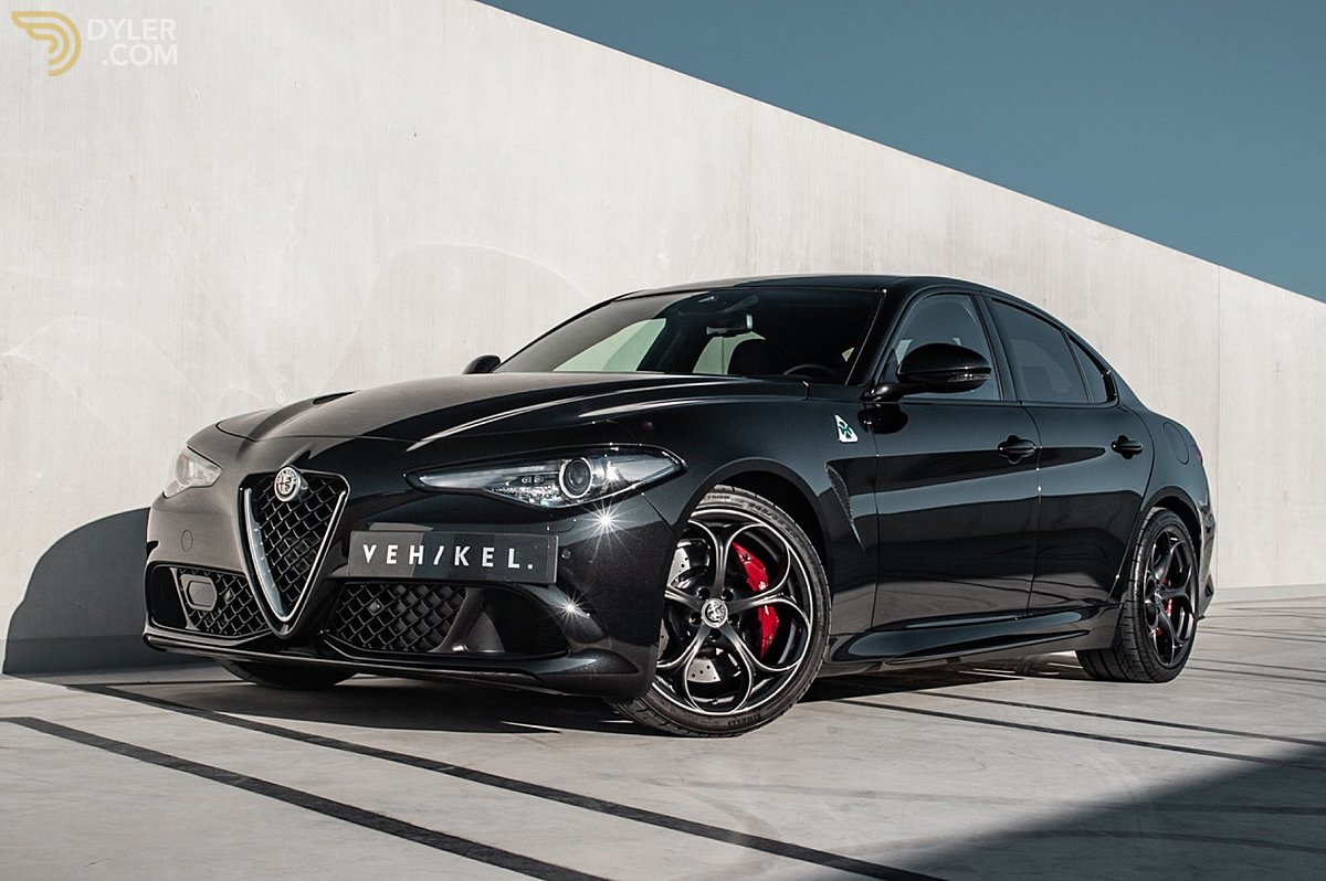 large_alfa-romeo-giulia-quadrifoglio-sedan-saloon-2019-black-for-sale.jpg